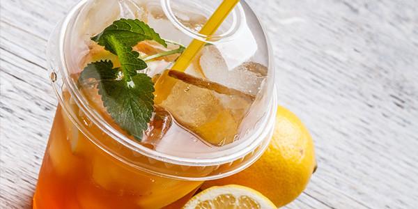Thé vert glacé à la menthe maison